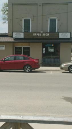 Drayton, แคนาดา: The upper room family restaurant