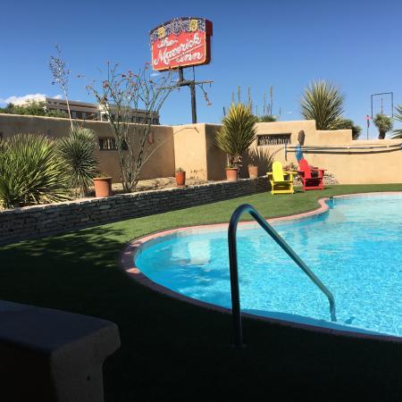 The Maverick Inn : Nice Pool!