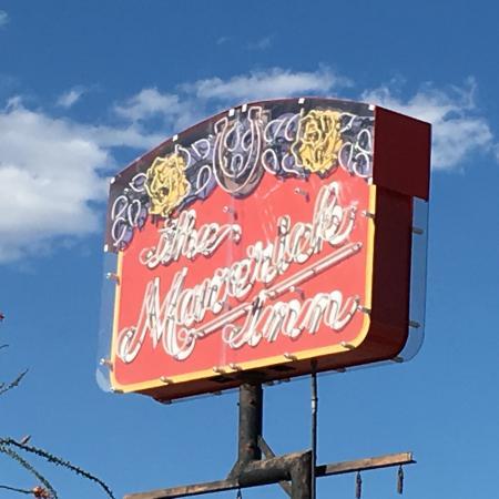 The Maverick Inn : It's A Sign