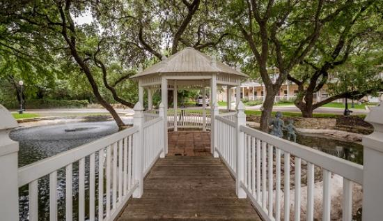 ‪‪Gruene River Hotel & Retreat‬: Gazebo‬