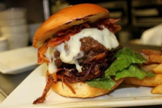 New Rochelle, NY: Alvin's Burger