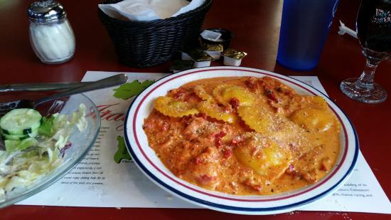 Scotto's Italian Restaurant : The wonderful ravioli!