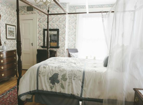 Hopewell Junction, NY: Room 5