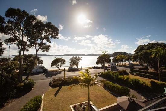 Pioneer Waterfront Apartments: The Bay of Islands beckons!