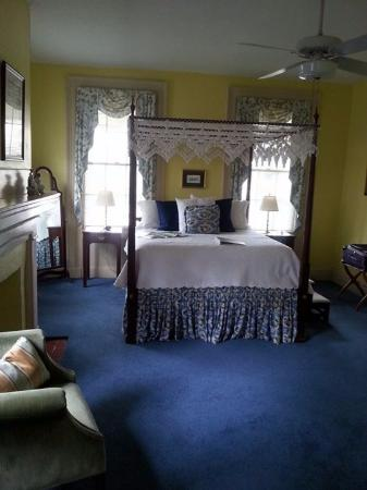 Harmony House Inn : The lovely room we stayed in.