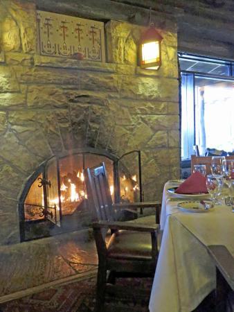 el tovar dining room reviews   El Tovar restaurant - Picture of El Tovar Lodge Dining ...
