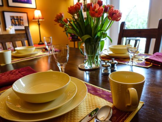 Куртенэ, Канада: Breakfast Table