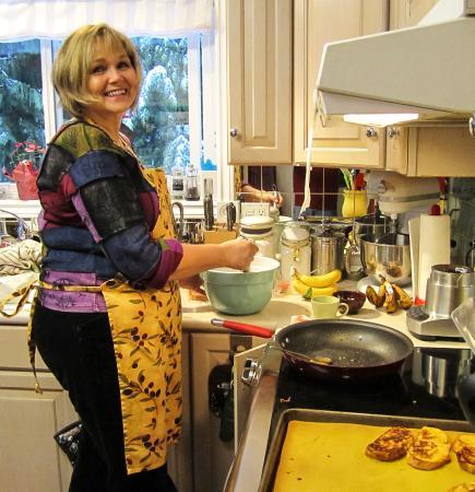 Courtenay, كندا: Lucille Preparing Breakfast