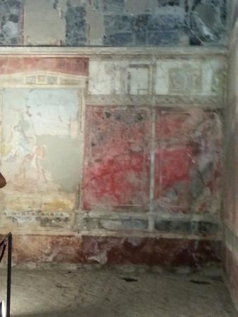 City Wonders: Fresco of what was a residence in Pompeii