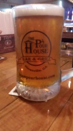 Hinesville, GA: Great beer on tap.