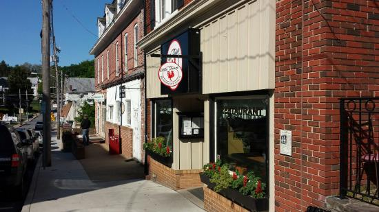 Mount Airy, MD: Olde Town Charm!