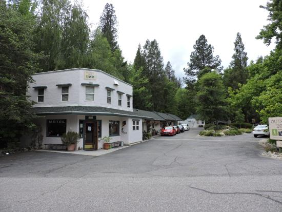 Outside Inn Image