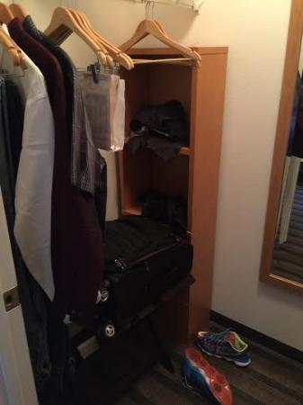 Attirant HYATT House Colorado Springs: Walk In Closet With Plenty Of Hangers U0026 Shelf  Space