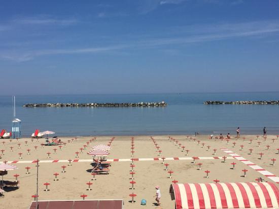 Hotel Touring Spiaggia : Gigantisch gutes Essen. Die Oma steht noch in der Küche. In der Vorsaison auch sehr ruhig und er