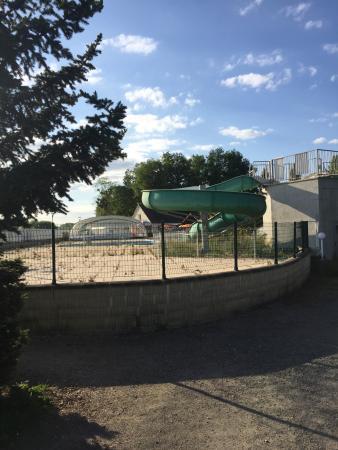 Trogues, Francia: Piscine extérieure
