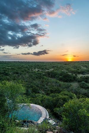 Meru National Park, Kenya: Pool Sunset