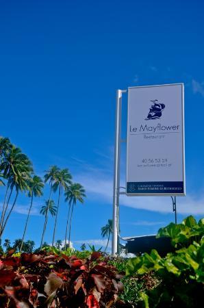 Haapiti, Polinesia Francesa: Enseigne