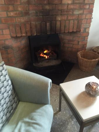 Durbanville, Южная Африка: One of the fire-places to chill infront of on those rainy Cape Town days.