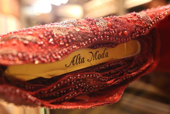 ‪Alta Moda Fabric Store and Tailor‬