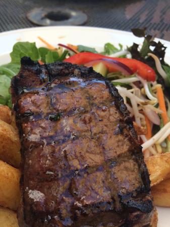 Belmont Hotel: Sizzling Steak