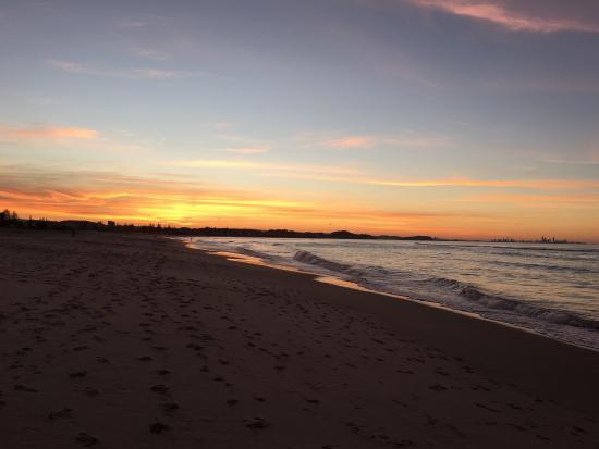 Kirra Beach 이미지