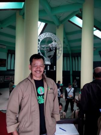 Equator Monument (Tugu Khatulistiwa): Selfie dulu, boleh kaaannn