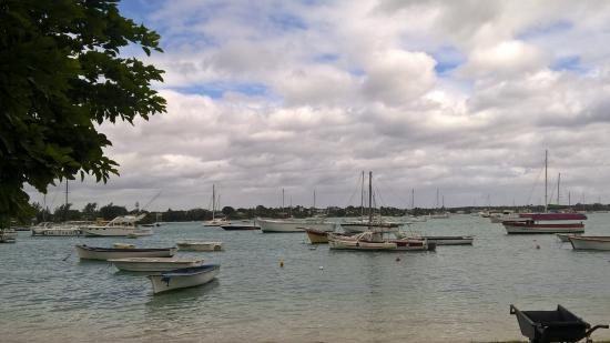 Riviere du Rempart: A view of grand baie beach