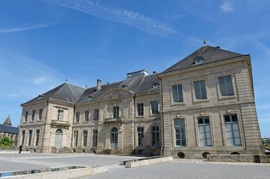 Porcelaine de limoges picture of office de tourisme de limoges limoges tripadvisor - Office de tourisme haute vienne ...