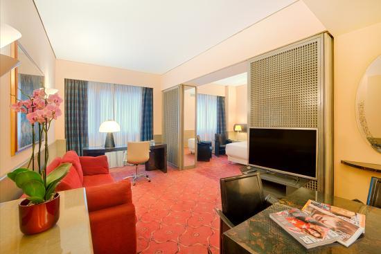 NH Torino Centro: Suite Room