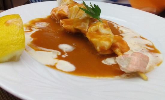 Le Grand Hotel de Valenciennes : Raffinement pour cette brochette de poisson