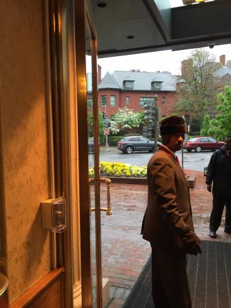 The Fairfax at Embassy Row, Washington D.C.: Entry and valet