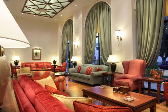 Volos Palace Hotel: Reception Lounge