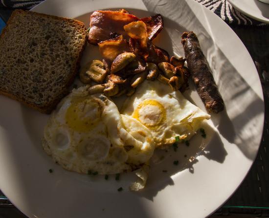 Cascade Manor: Copious breakfast.
