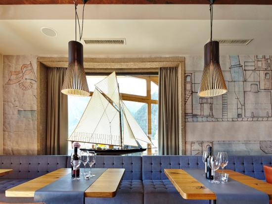 Hotel Klingler: Neugestaltetes Café-Restaurant Klingler