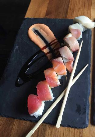 Rainbow roll picture of kyo bar japonais montreal for Aix cuisine du terroir montreal