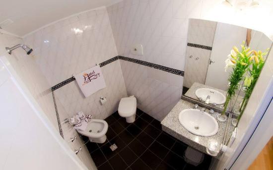 Hotel Rey Buenos Aires: Baño Habitación Clasica