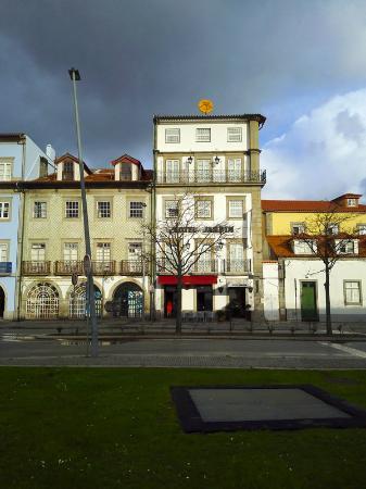 Hotel Jardim Viana Do Castelo: Outlook of the hotel