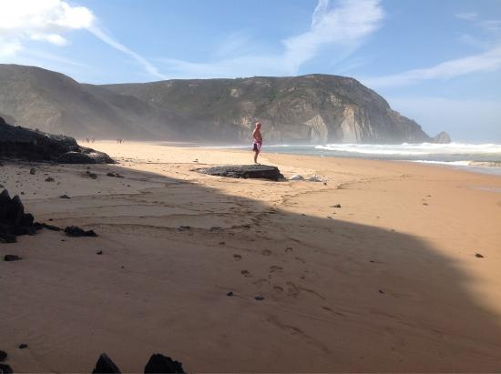 Vila do Bispo, Portugal: The Restaurant and the lovely beach is amazing, wonderful sandy beach, very long, great when the