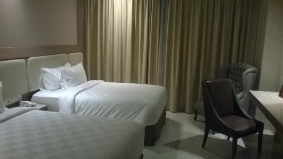 Aria Centra Surabaya