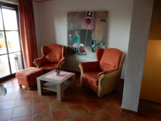 Weingut Sandwiese Winzerhotel: Gemütliche Ecke im Flur des ersten Stocks im Hotel Sandwiese