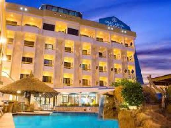 Olas Altas Inn: Vista Frente del Hotel