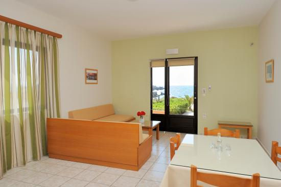 Nanakis Beach: One bedroom apartment