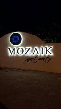 Mozaik Boutique Hotel Rooms & Apartments: 20160511_213151_large.jpg