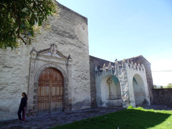 Tezontepec, Mexico: Capillas