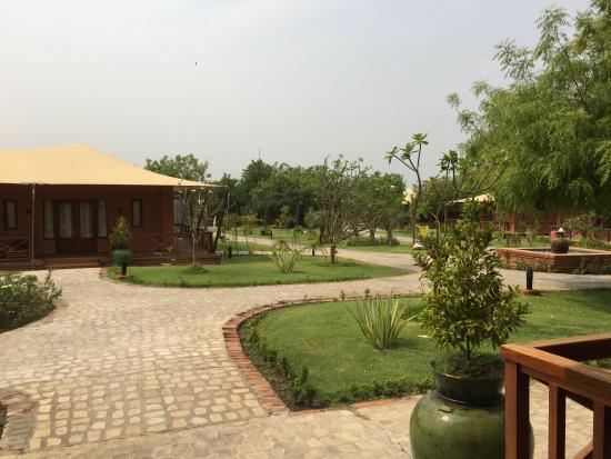 Bagan Lodge Photo