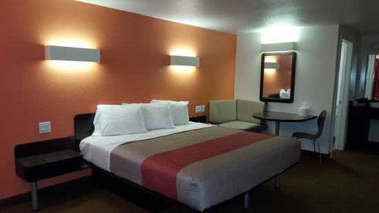 Motel 6 Erie: BRAND NEW rooms with 1 King or 2 Full Size Beds