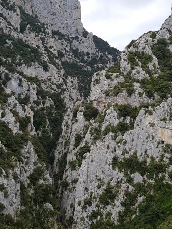 Gorges de Galamus: View of the gorge