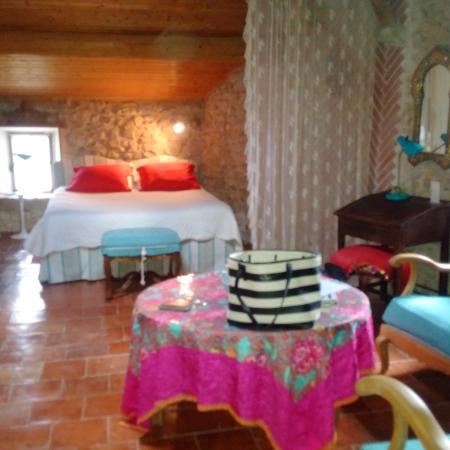 Trebes, Frankrike: Beautiful room