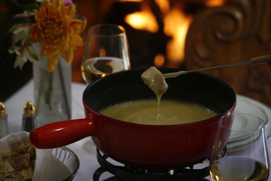 Goldener Hirsch Inn: Famous four cheese fondue.