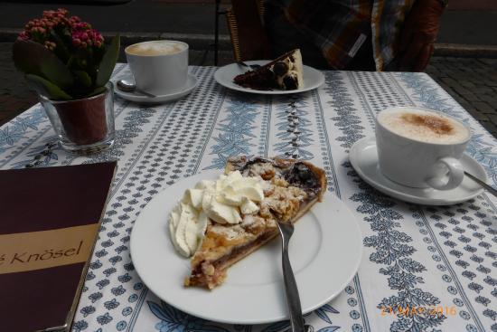 Café Knösel-Hotel: Kaffee and Kuchen
